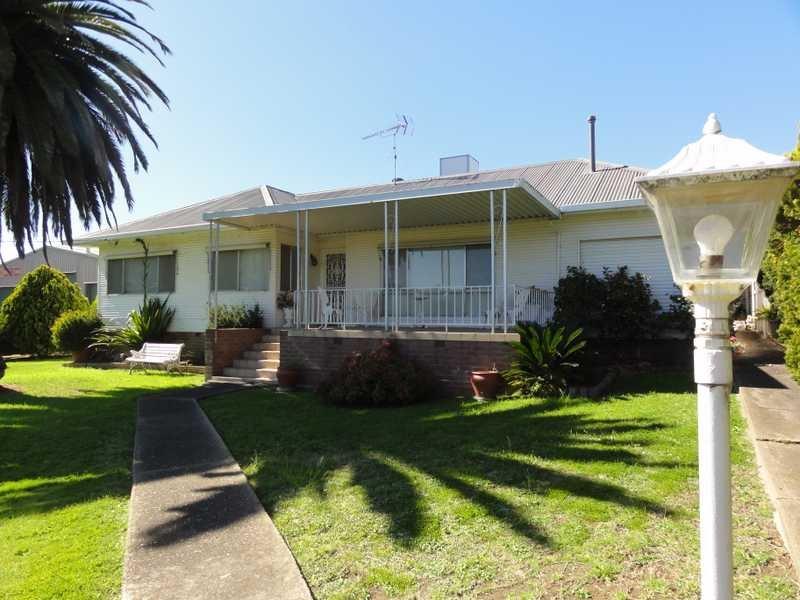 114 Punch Street, Gundagai, NSW 2722