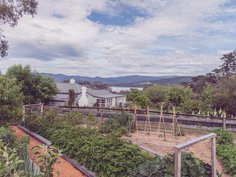 34 Grays Road, North Bruny, Tas 7150