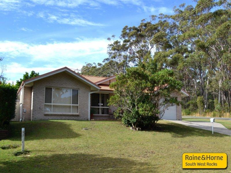 76 Bruce Field St, South West Rocks, NSW 2431