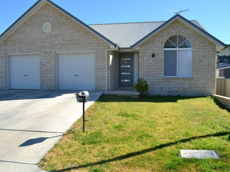 11B Cloonan Terrace, Inverell, NSW 2360