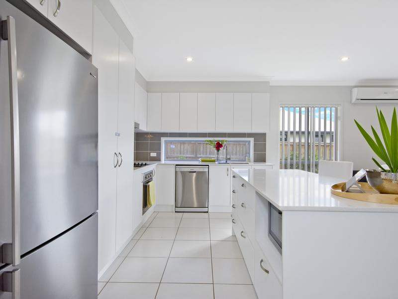 10 Tern Circuit, Forest Glen, Qld 4556