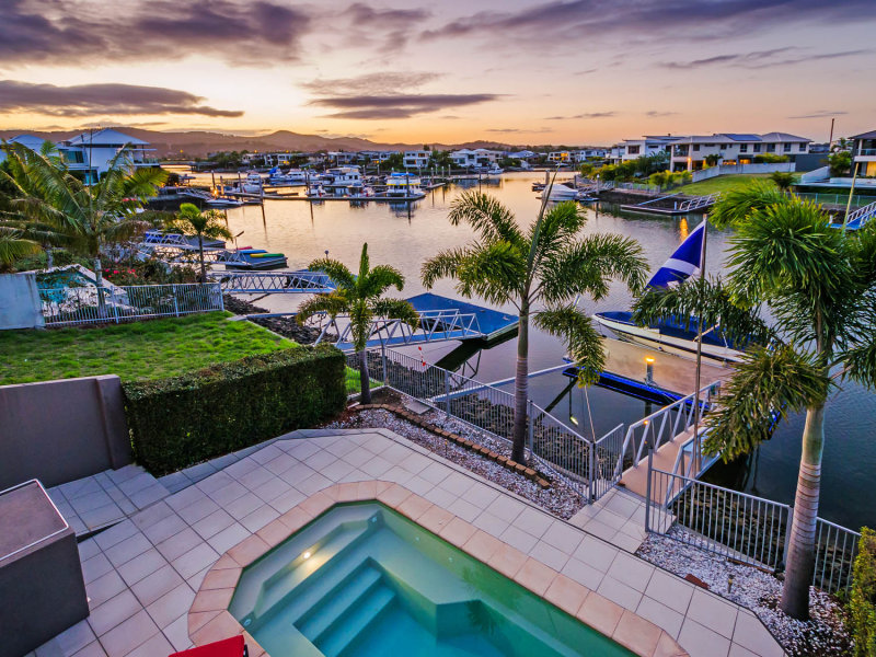 18 River Links Blvd East, Helensvale, Qld 4212