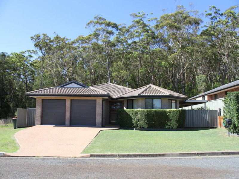 26 Steve Eagleton Drive, South West Rocks, NSW 2431