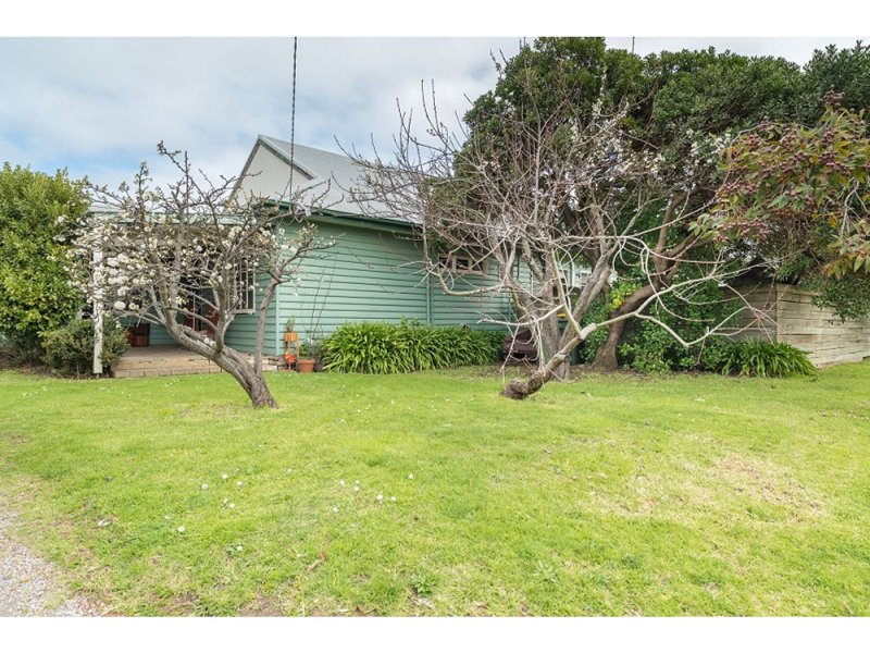 8 Fowler Grove, Newhaven, Vic 3925