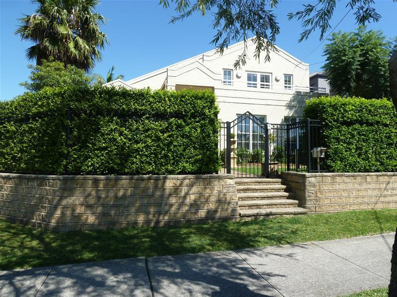 102 Macquarie Street, Greenacre, NSW 2190