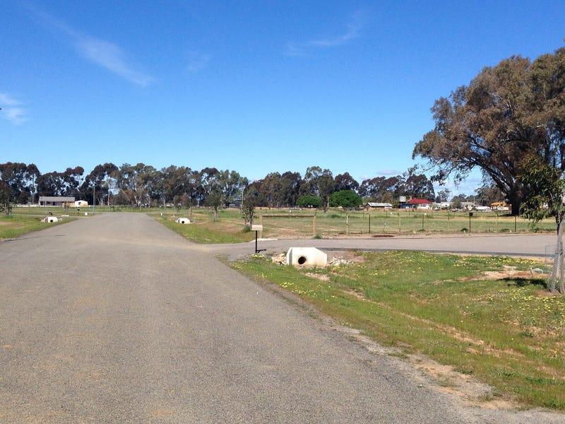 - Green Acres - via Racecourse Road, Benalla, Vic 3672