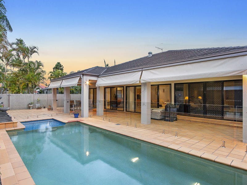 3 Martingale Circuit, Clear Island Waters, Qld 4226