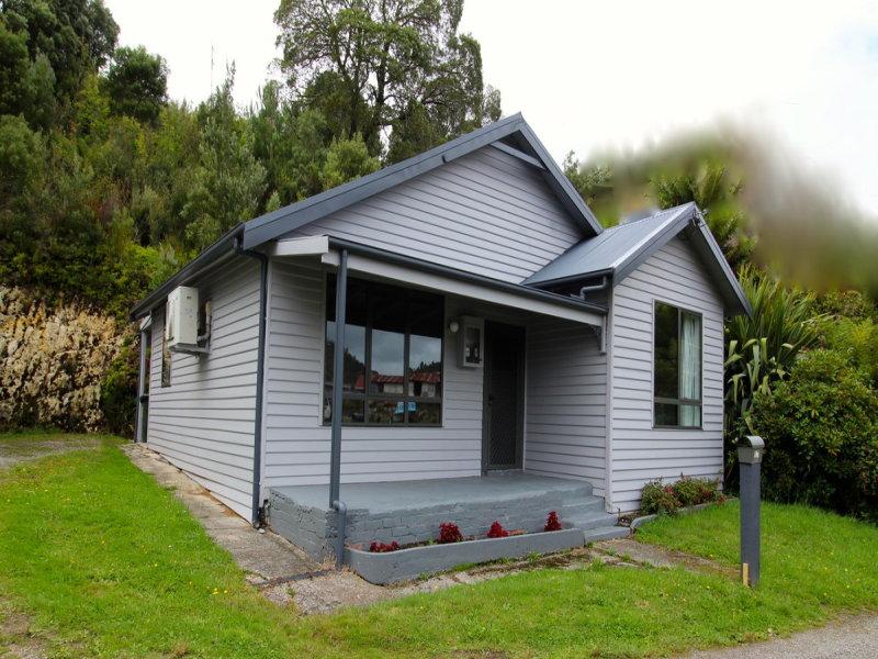 17 Denison Street, Queenstown, Tas 7467