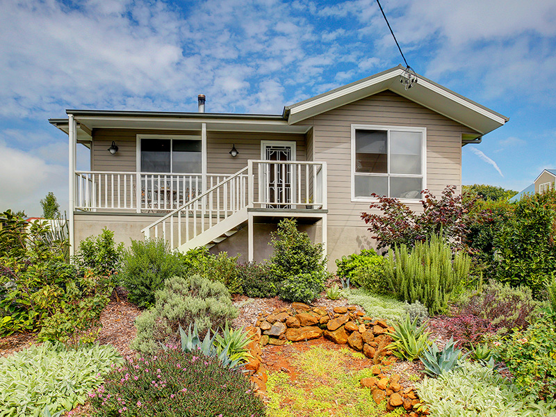61 May Street, Robertson, NSW 2577