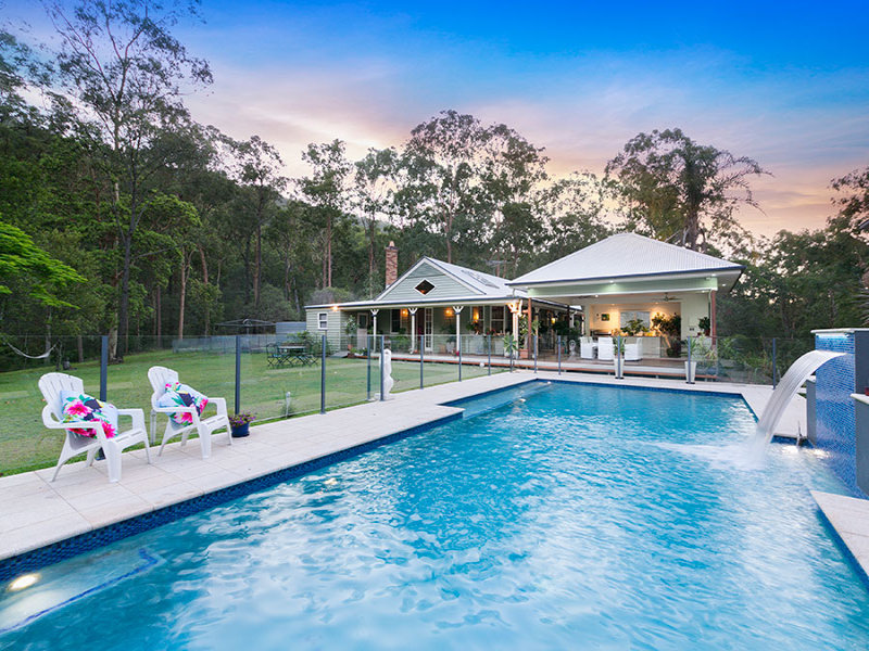 9 Warrandyte Court, Camp Mountain, Qld 4520