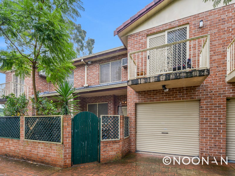 2/2a Cullens Road, Punchbowl, NSW 2196