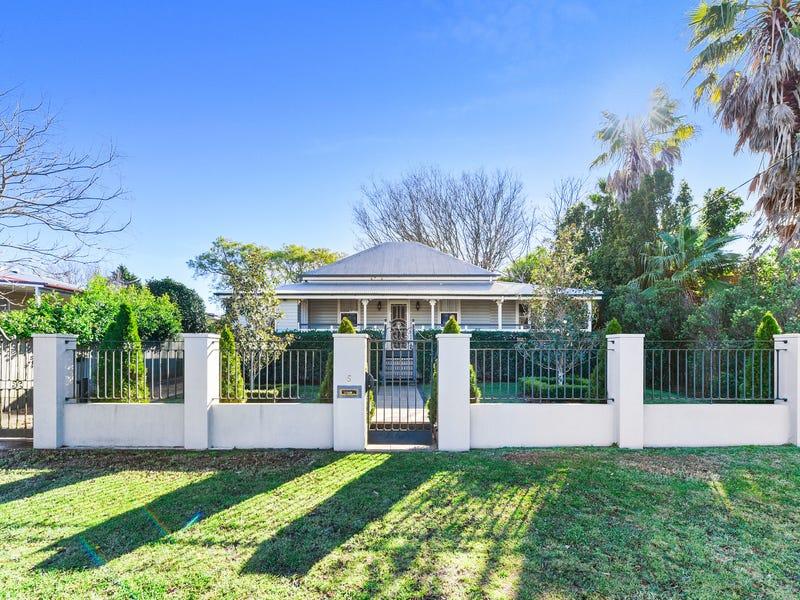 5 Cavell Street, East Toowoomba, Qld 4350