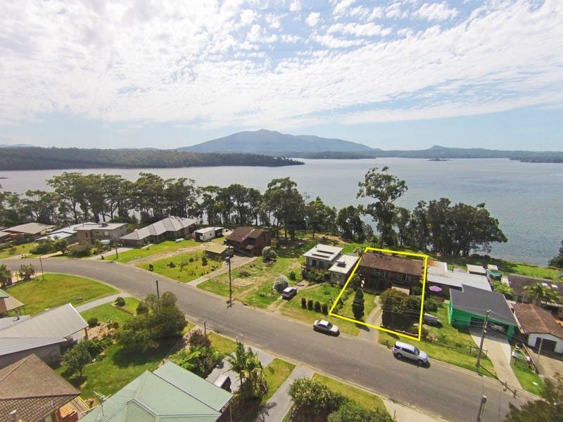 36 Fairhaven Point Way, Bermagui, NSW 2546