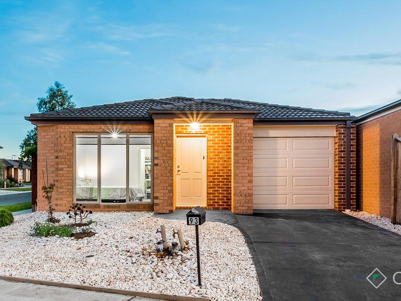 93 Green Gully Road, Clyde, Vic 3978