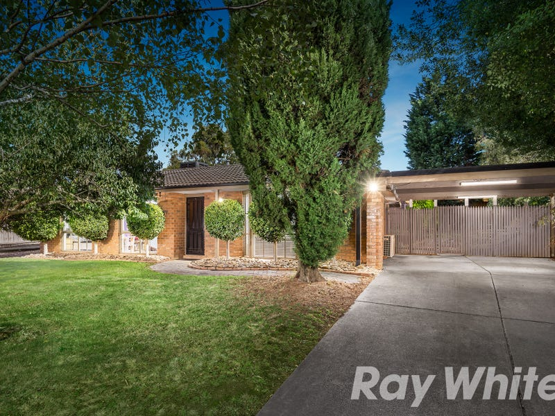 17 Erskine Drive, Rowville, Vic 3178