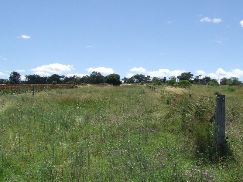 Gall Road, Felton, Qld 4358