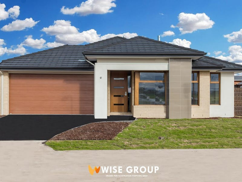 2 Camelot Parade, Clyde North, Vic 3978