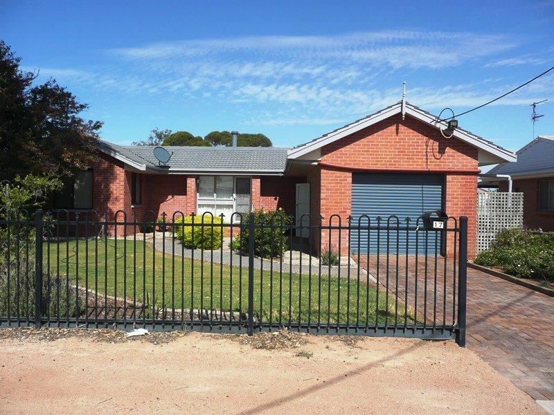 17 Lambeff Street, Ceduna, SA 5690