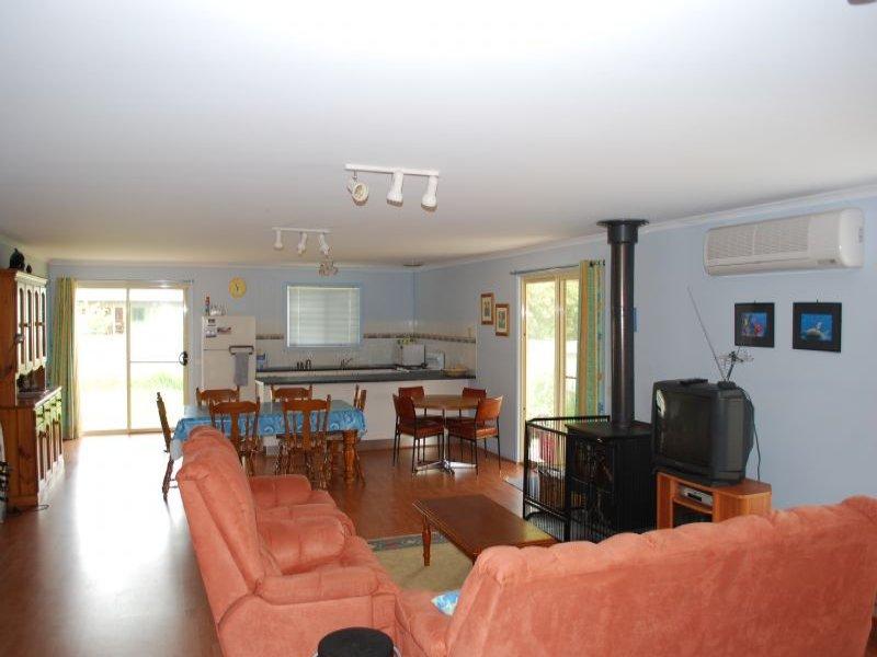 13 Ben Tor Tce, Coronet Bay, Vic 3984