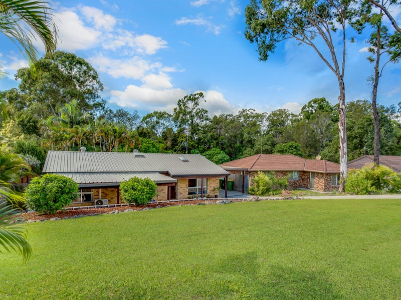 15 Pappas Way, Carrara, Qld 4211