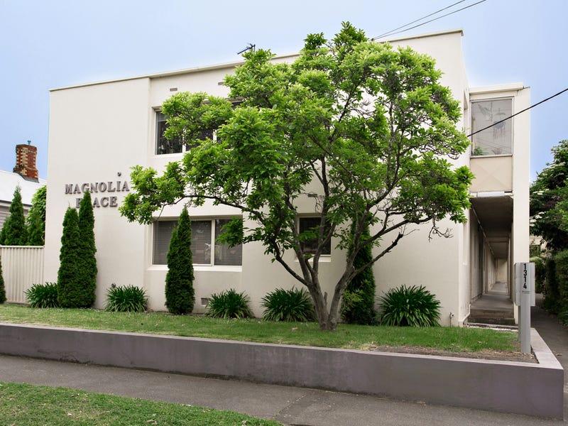 2/1314 Mair Street, Lake Wendouree, Vic 3350