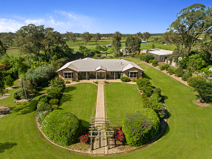 21 Colemans Road, Goombungee, Qld 4354