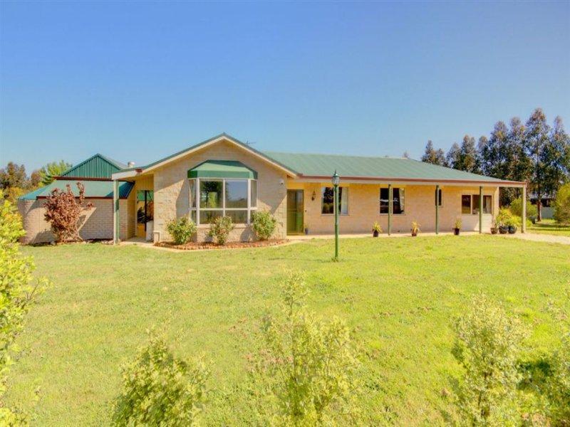 465 Greenhalghs Road, Smythes Creek, Vic 3351