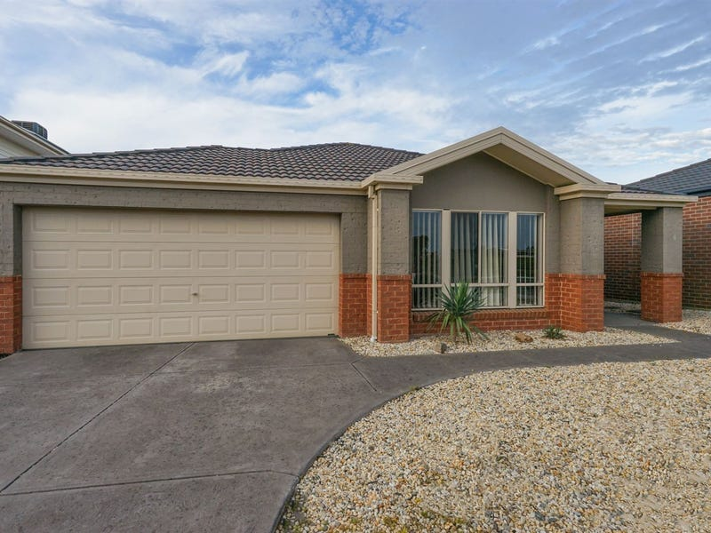 4 Corrigans Road, Cranbourne East, Vic 3977