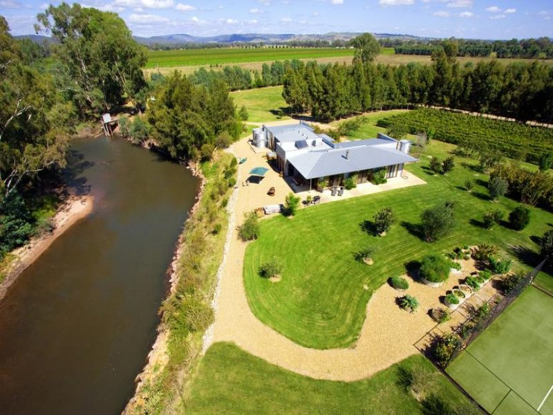 108 MEADOW CREEK ROAD, King Valley, Vic 3678