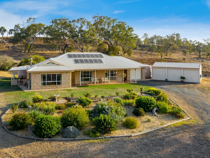 466 Hennessey Road, Cambooya, Qld 4358
