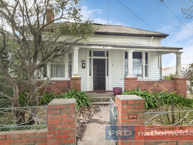 10 Clarendon Street, Soldiers Hill, Vic 3350