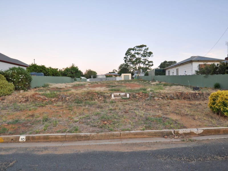 10 Bolton Street, Junee, NSW 2663