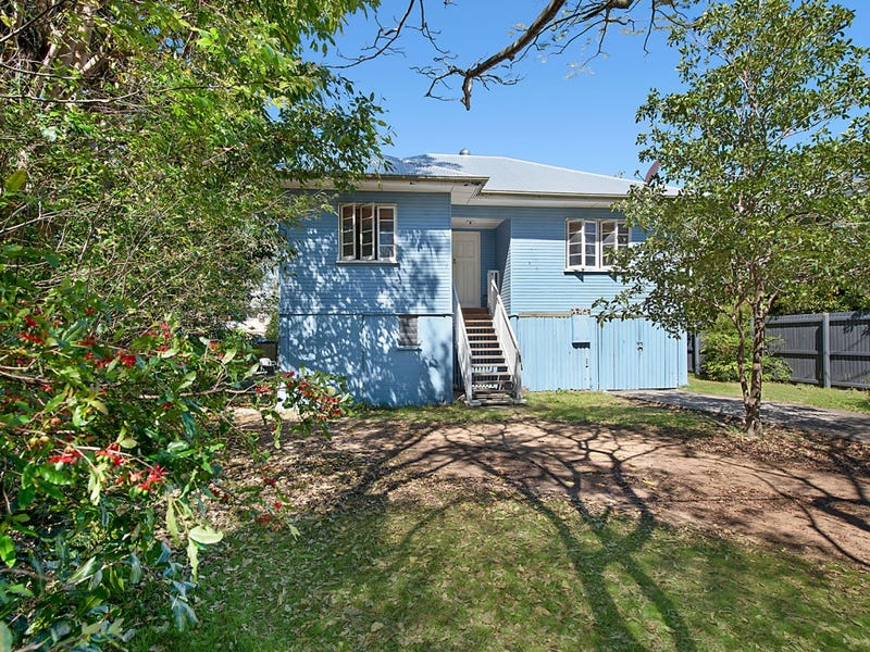 21 Brook Street,, Kalinga, Qld 4030