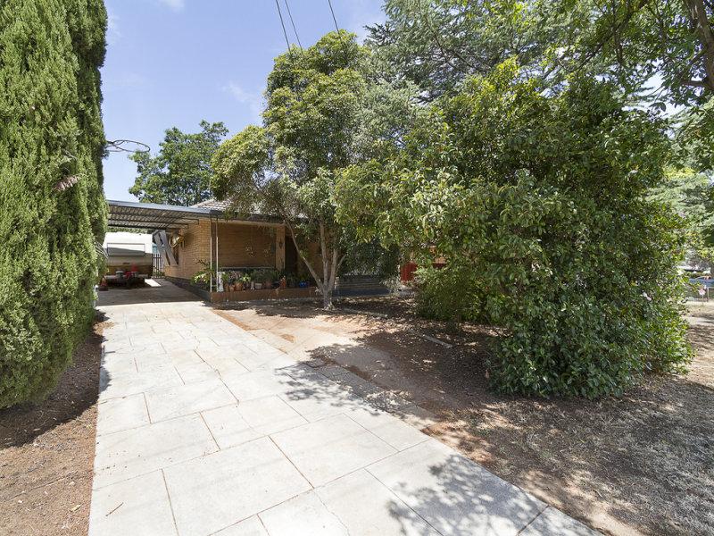 19 Rowe Street, Para Hills, SA 5096