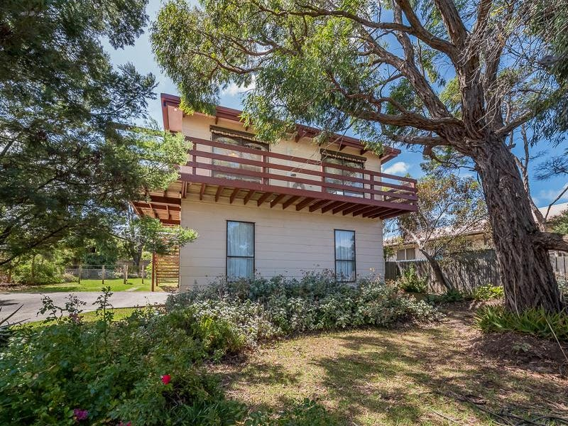 12 Driftwood Drive, Cowes, Vic 3922