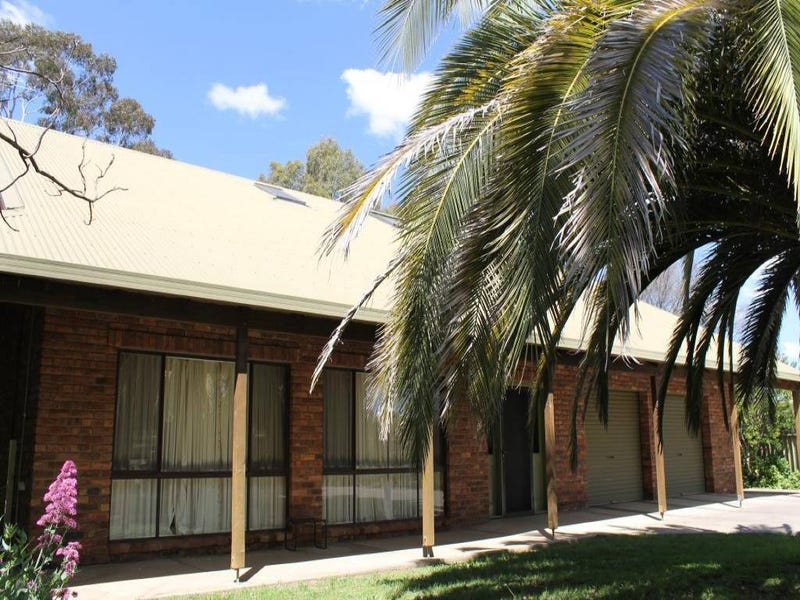 9 McNarry Place, Young, NSW 2594
