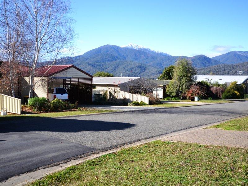 12 Damms Court, Tawonga South, Vic 3698
