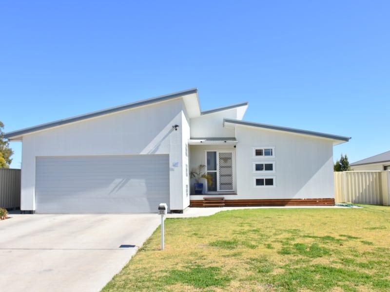 33 Bohenia Crescent, Moree, NSW 2400