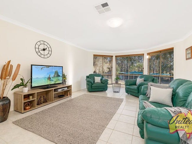 7 Benwerrin Crescent, Grasmere, NSW 2570