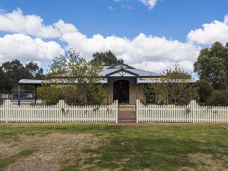 82 Jennie Place, North Dandalup, WA 6207