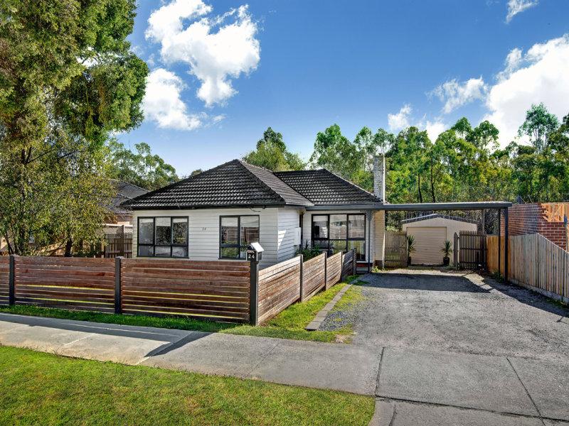 24 Yvonne Avenue, Croydon South, Vic 3136
