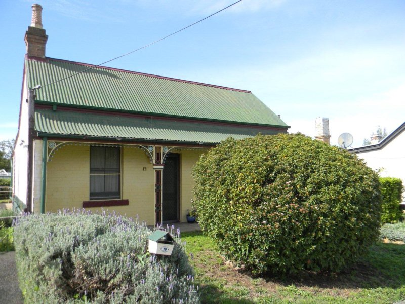 19 TAYLOR STREET, Goulburn, NSW 2580