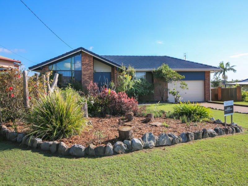 11 Ocean View Road, Arrawarra Headland, NSW 2456