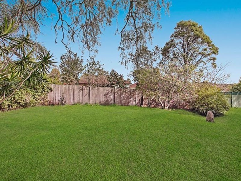 5 Henley Close, Hornsby Heights, NSW 2077