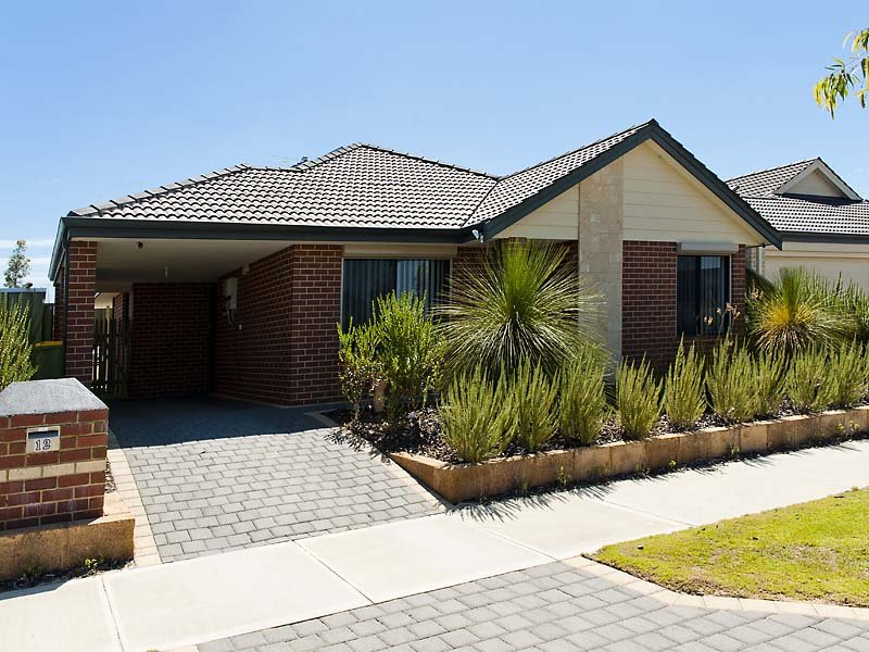 12 Peartree Terrace, Seville Grove, WA 6112