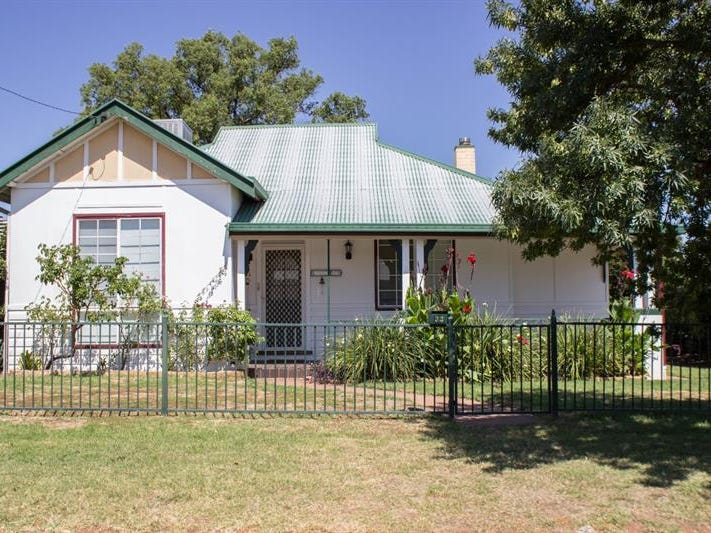 33 Sterling St, Dubbo, NSW 2830