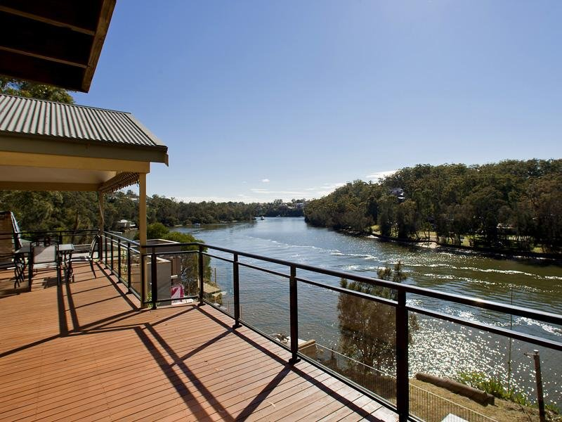 180 St Georges Crescent, Sandy Point, NSW 2172