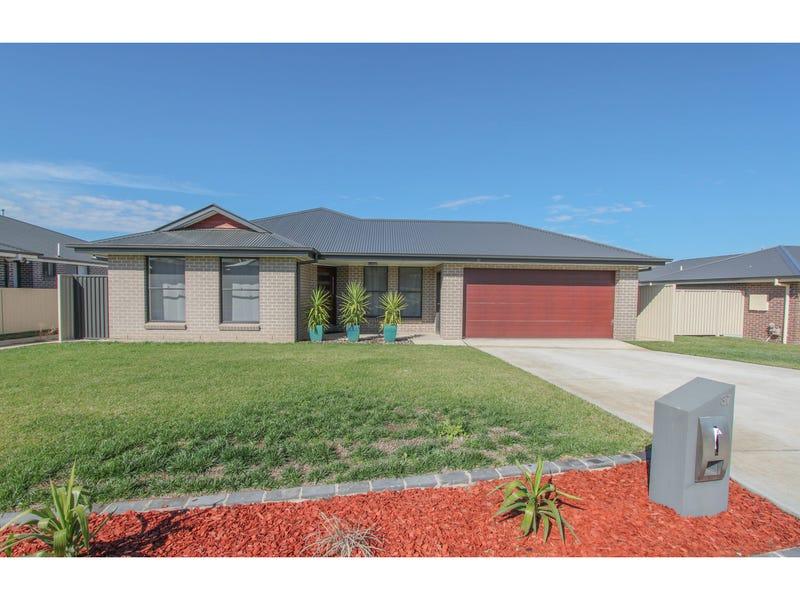 37 Amber Close, Kelso, NSW 2795