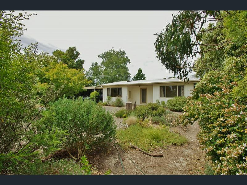 9 Allsops Road, Launching Place, Vic 3139