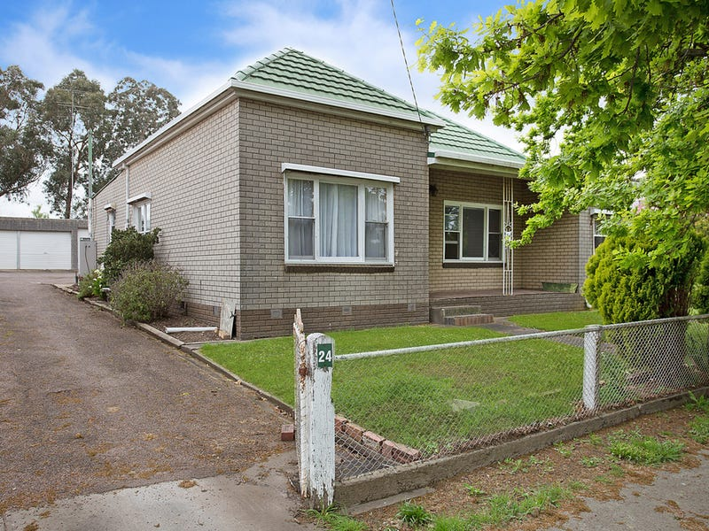 24 Burns Street, Hamilton, Vic 3300